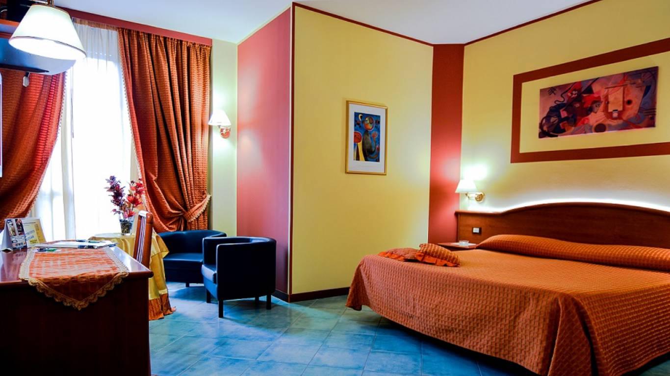 hotel-degli-amici-artena-superior-room